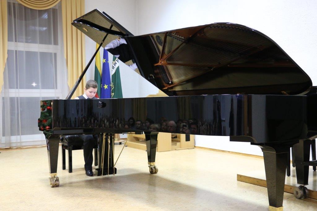 Muzikos mokykloje surengtas Fortepijono pristatymo koncertas