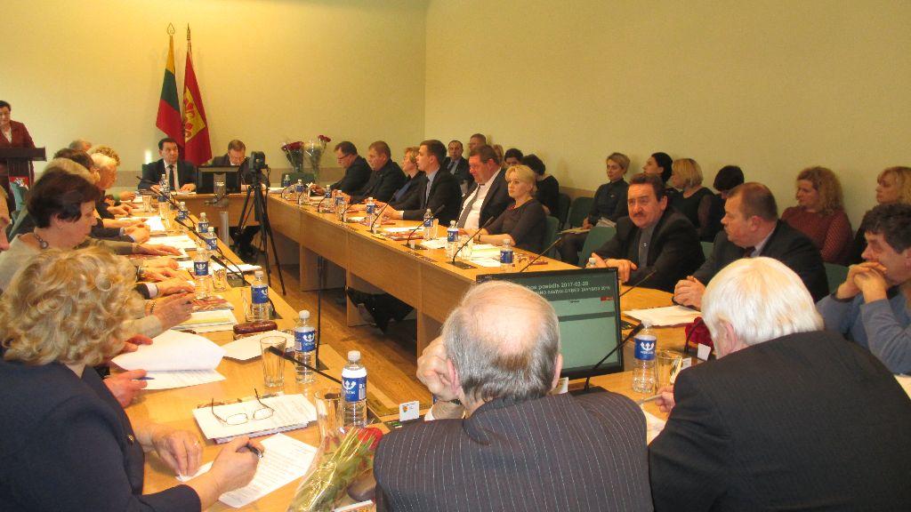 Alytaus rajono taryba patvirtino šių metų biudžetą ir palaimino mokyklų pertvarką