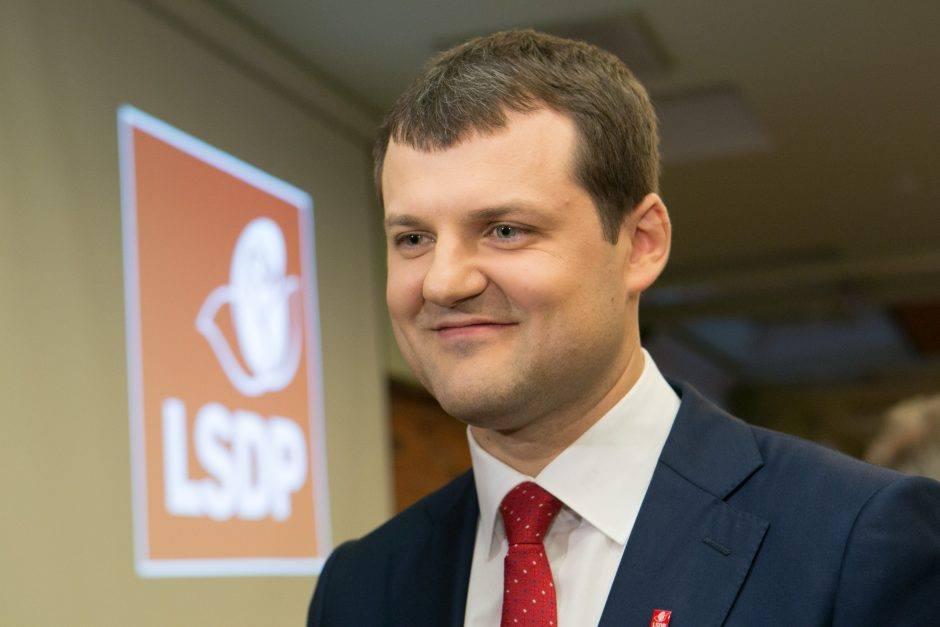 Naujas LSDP pirmininkas Paluckas. O, ką pirmininku rinko Dzūkijos socialdemokratai? 1
