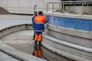 Jau veikia Senamiesčio skvero fontanas 1