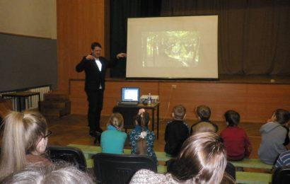 Kumiečių mokykloje lankėsi TV laidų prodiuseris Laurynas Šeškus