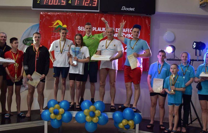 """Varėnoje įvyko pirmosios respublikinės šeimų plaukimo varžybos """"Dano Rapšio taurė 2017"""""""