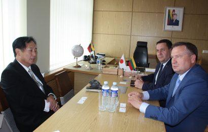 Alytaus rajono savivaldybėje svečiavosi Japonijos ambasadorius