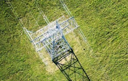 Alytų ir Kruonį sujungsiančios elektros linijos statybos įsibėgėja