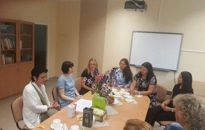 Alytuje viešėjusi Seimo narė Dovilė Šakalienė pristatė dar vieną priemonę kovai su smurtu prieš vaikus