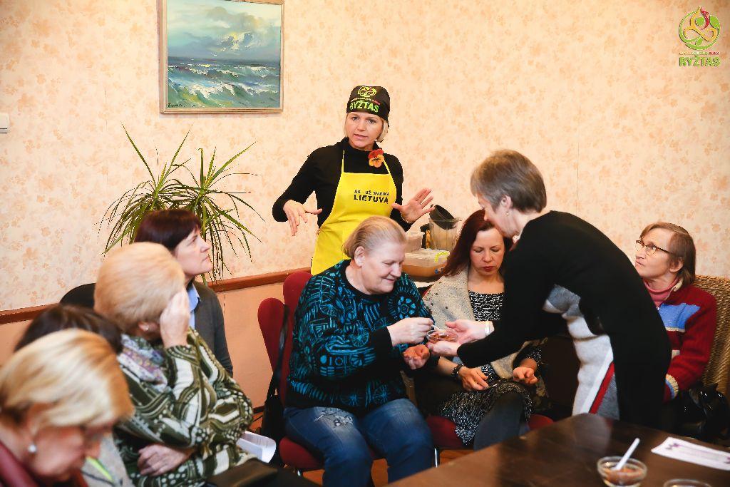"""Vyko seminaras sveikos mitybos tema """"Tėviškės namų"""" bendruomenei"""