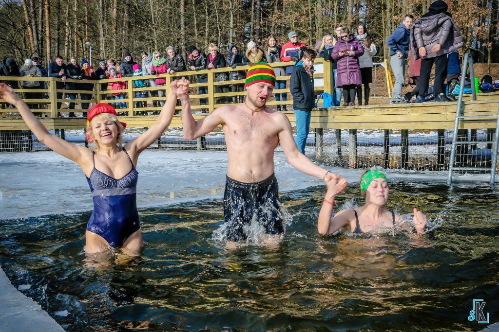 """Alytaus """"ruoniai"""" kviečia į tradicines vasario 16-osios maudynes"""