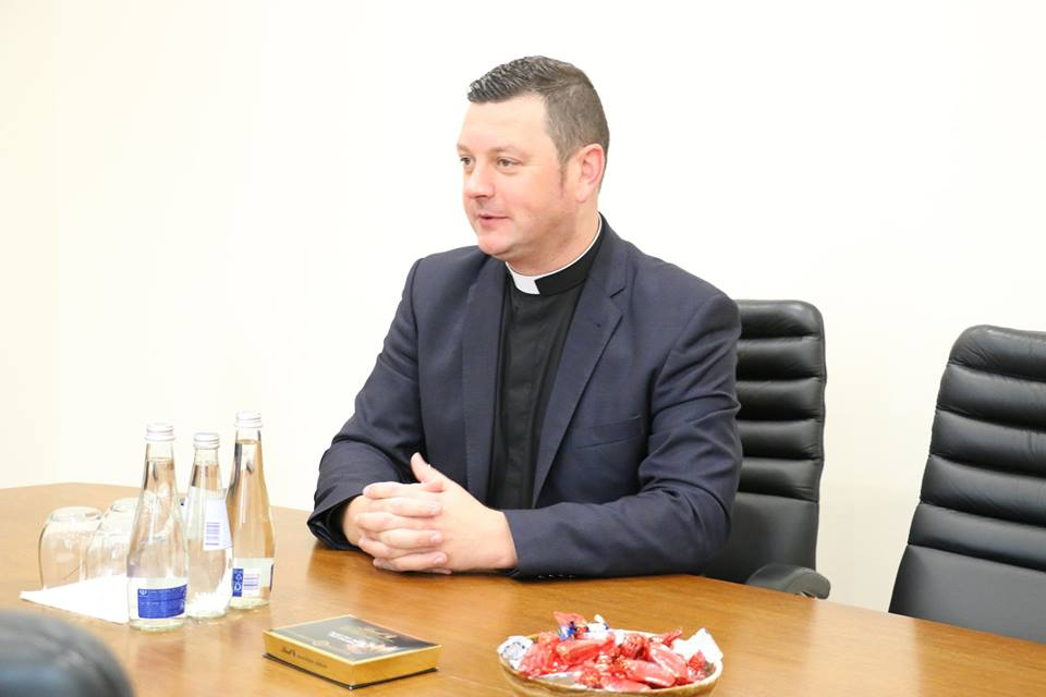 """Naujasis Alytaus Šv. Kazimiero parapijos klebonas R. Baltrušaitis: """"Alytuje jaučiuosi tarsi namuose"""""""