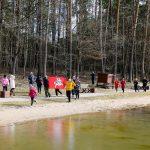 Kovo 11-ąją Alytaus sveikuoliai paminėjo maudynėmis Dailidės ežerėlyje 1