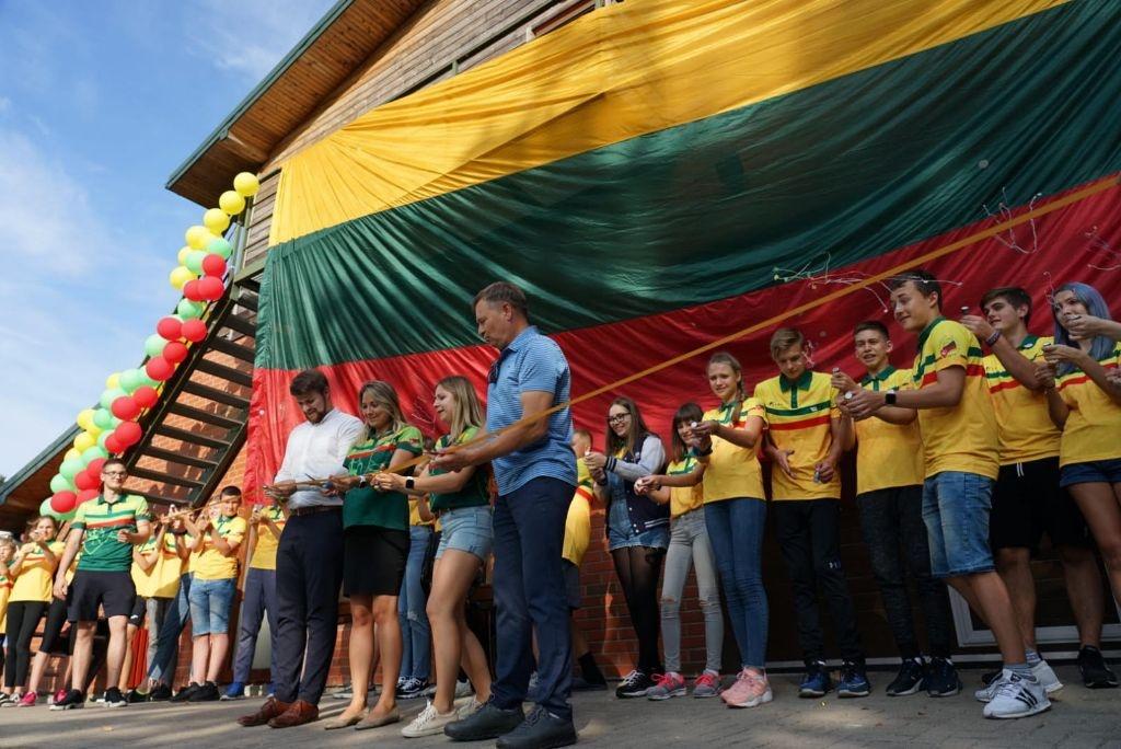 Pasaulio lietuvių vaikai stovyklauja Dauguose: susirinko iš 12-kos šalių 2