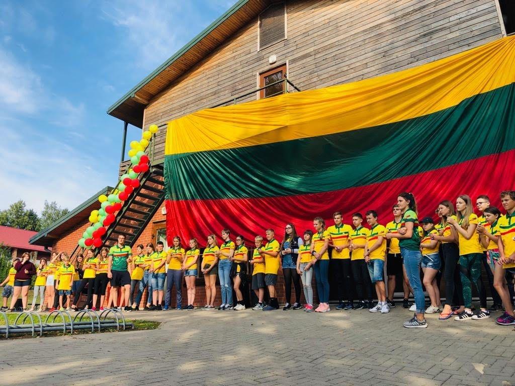 Pasaulio lietuvių vaikai stovyklauja Dauguose: susirinko iš 12-kos šalių 1