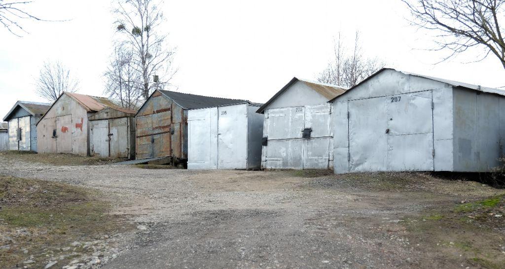 Garažų savininkams – savivaldybės raginimas atlaisvinti teritoriją