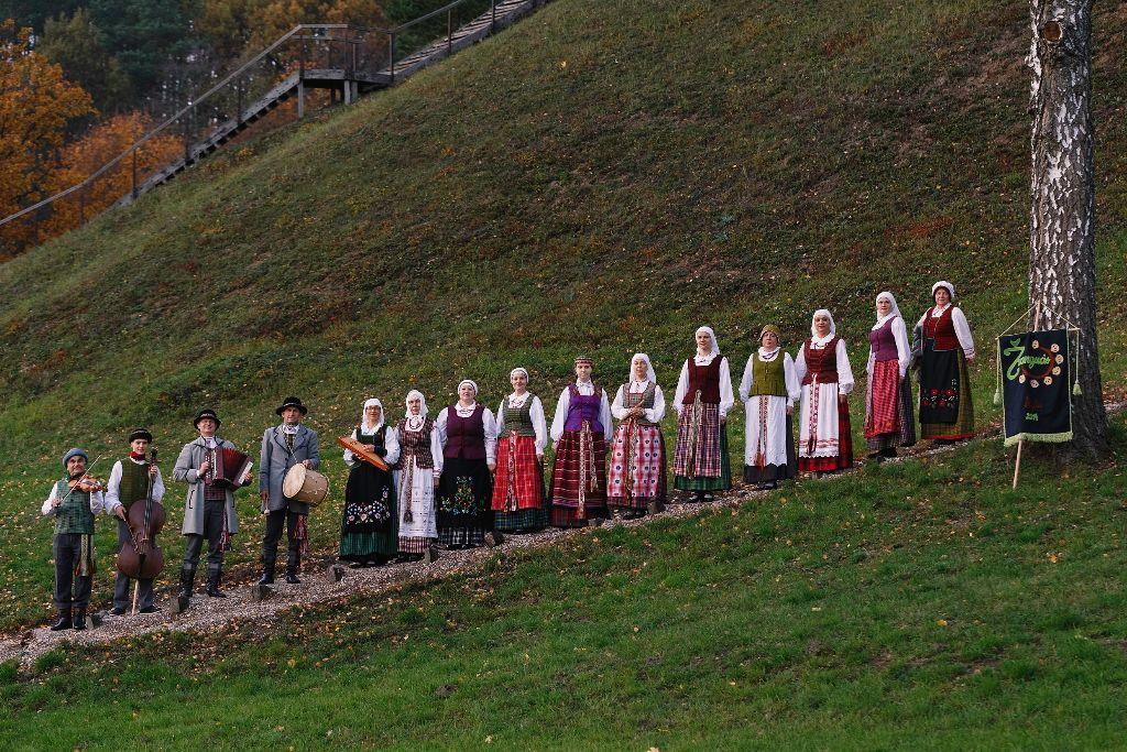 """Alytaus kultūros centro folkloro ansambliui """"Žvangucis"""" – penkeri! 1"""