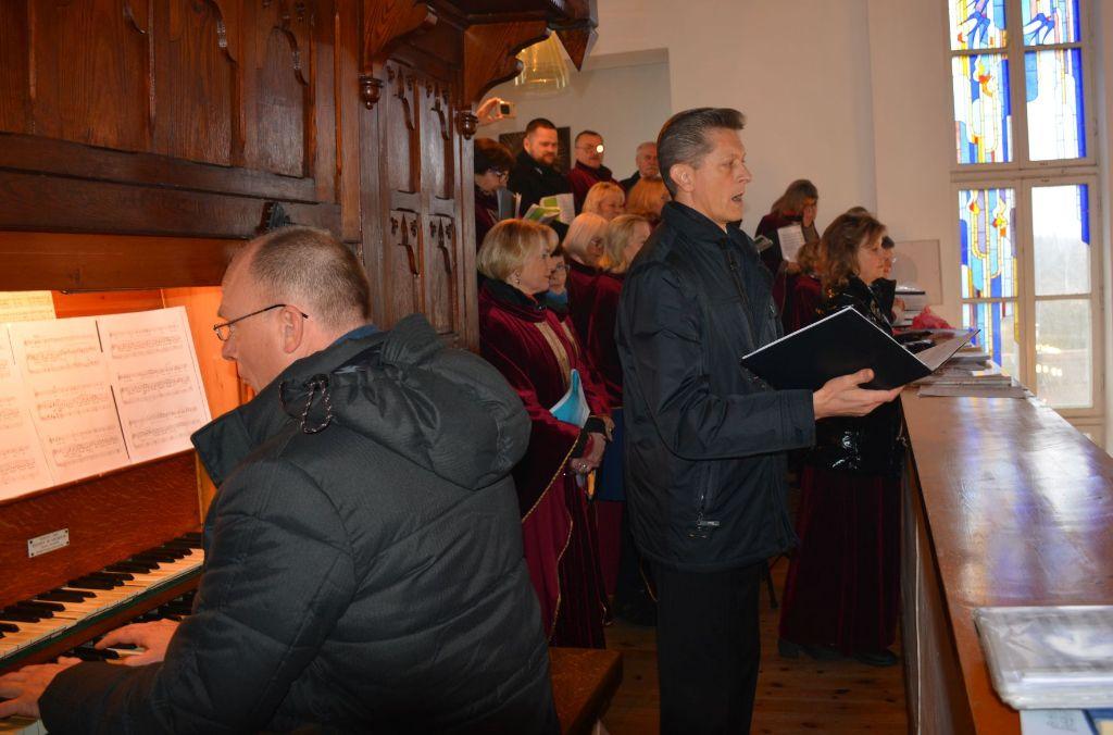 Senosios Varėnos bažnyčios jubiliejaus proga dovaną įteikė ir Popiežius Pranciškus 5