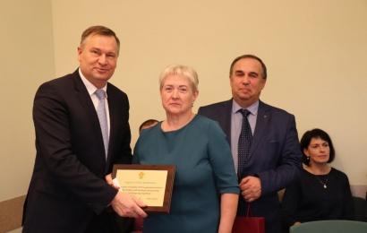 Šventiniame Alytaus rajono tarybos posėdyje – apdovanojimų ir linkėjimų lietus