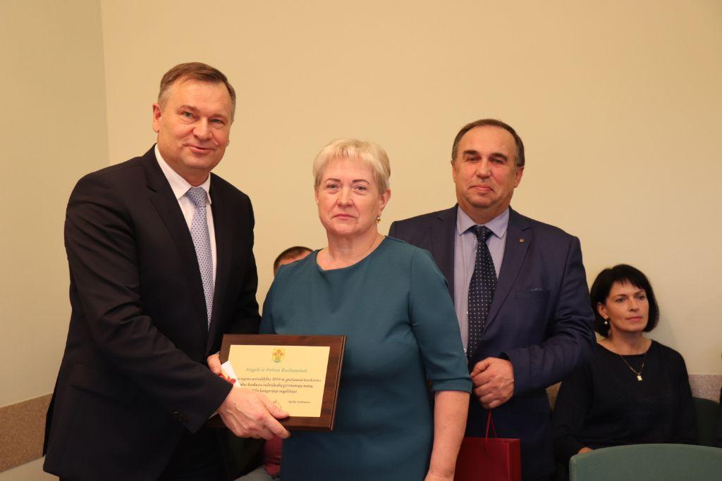 Šventiniame Alytaus rajono tarybos posėdyje – apdovanojimų ir linkėjimų lietus 1