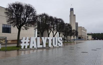 Patvirtintas Alytaus miesto biudžetas: kas suvienijo norus ir milijonus žarsčiusius politikus?