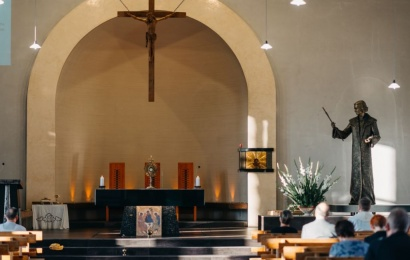 Istoriniai vingiai po vienu Alytaus bažnyčios stogu subūrė katalikus ir stačiatikius