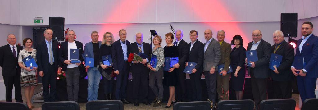 Sėkmingiausiems Varėnos rajono verslininkams - padėkos ir apdovanojimai 1