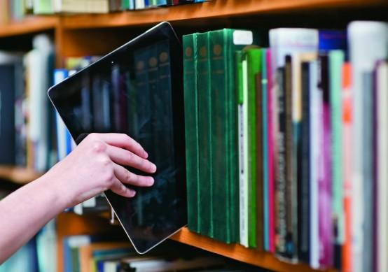 """Druskininkų savivaldybė naujagimių tėveliams dovanos knygelę """"Mūsų vaikas"""" 7"""