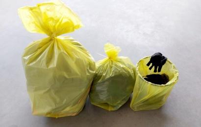 Užsikrėtusių ir saviizoliuojančių žmonių atliekoms – specialūs maišai