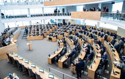 Seimas patvirtino pagalbą po karantino: nauda žadama 1,4 mln. Lietuvos gyventojų