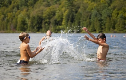 Maudynių sezonas prasideda: kur maudytis saugu?