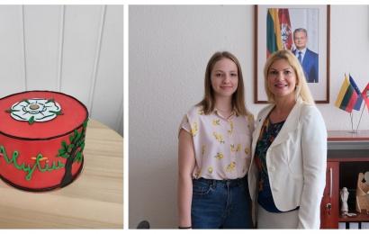 Gražiausią miesto gimtadienio tortą iškepusiai alytiškei – savivaldybės dovanos