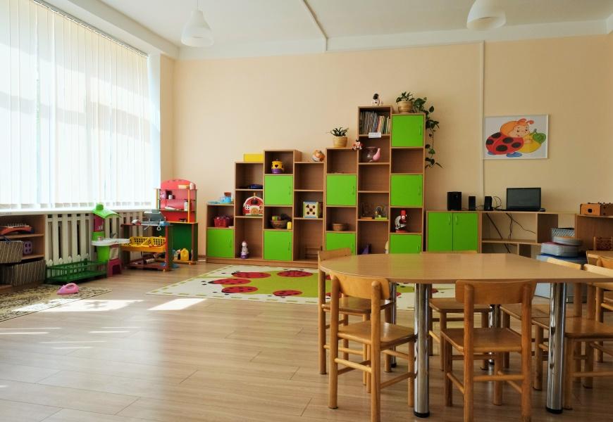 Bendradarbiavimo sutartis miesto ir rajono vaikams užtikrins vietas darželiuose