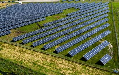 Milijoninių investicijų saulės elektrinė įplieskė architekto ir valdžios konfliktą