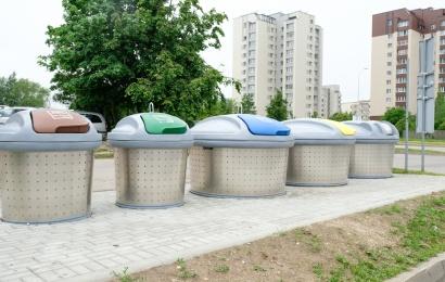 Nebjaurokime miesto veido atliekomis prie naujų rūšiavimo konteinerių