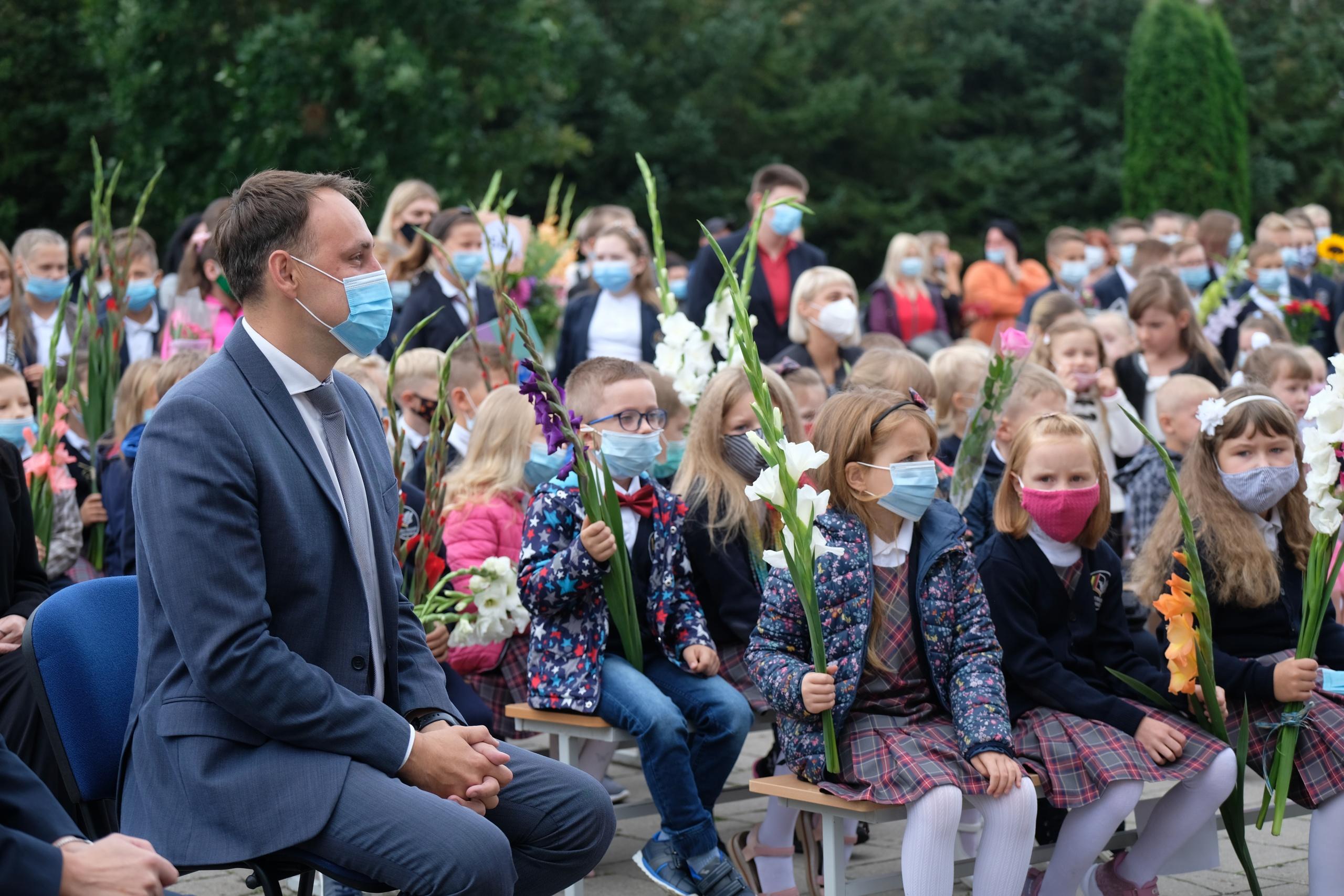 Rugsėjo 1-oji į mokyklas sukvietė beveik 7 tūkstančius Alytaus miesto mokinių 1
