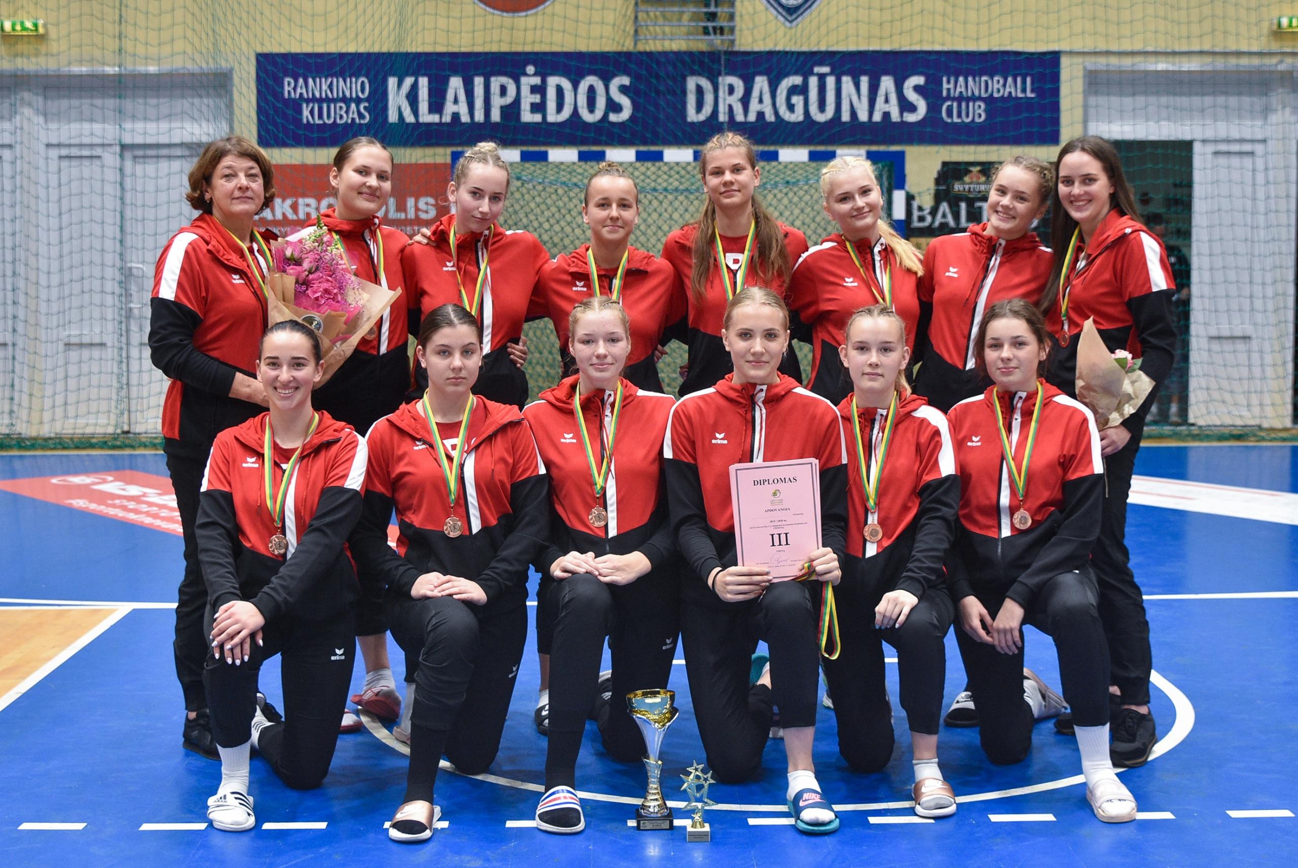 Jaunosios Alytaus rankininkės šalies čempionate iškovojo bronzos medalius 1