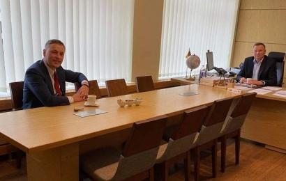 Nuo kalbų – prie darbų: naujai išrinktas Seimo narys apsilankė savivaldybėse