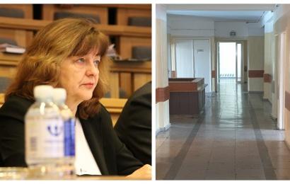 Ant direktorės stalo – pretenzija dėl nutraukto pirkimo: kreipimąsi į teismą lems motyvai