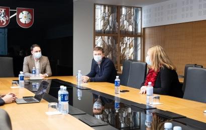 Susitikimas su investuotojais: kurs dar 200 naujų darbo vietų