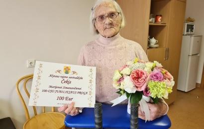 """Šimtametė iš Miroslavo: """"100 metų prabėgo taip greitai"""""""