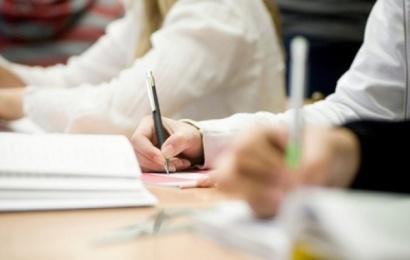 Brandos egzaminus laikys 701 Alytaus miesto abiturientas
