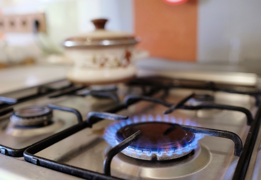 """""""Ignitis"""" patvirtino naujas kainas: gyventojams brangs ir dujos, ir elektra"""