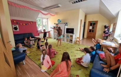 Vasara su anglų kalba: vaikai žinių sėmėsi ekskursijose ir edukacijose