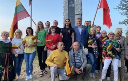 Baltijos kelyje Alytaus kraštą primins paminklas