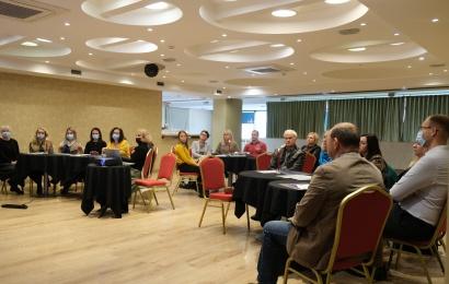 Apskritojo stalo diskusija priklausomybių tema