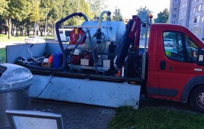 Atliekų konteineriai plaunami nuolat. Ar pastebėjote?
