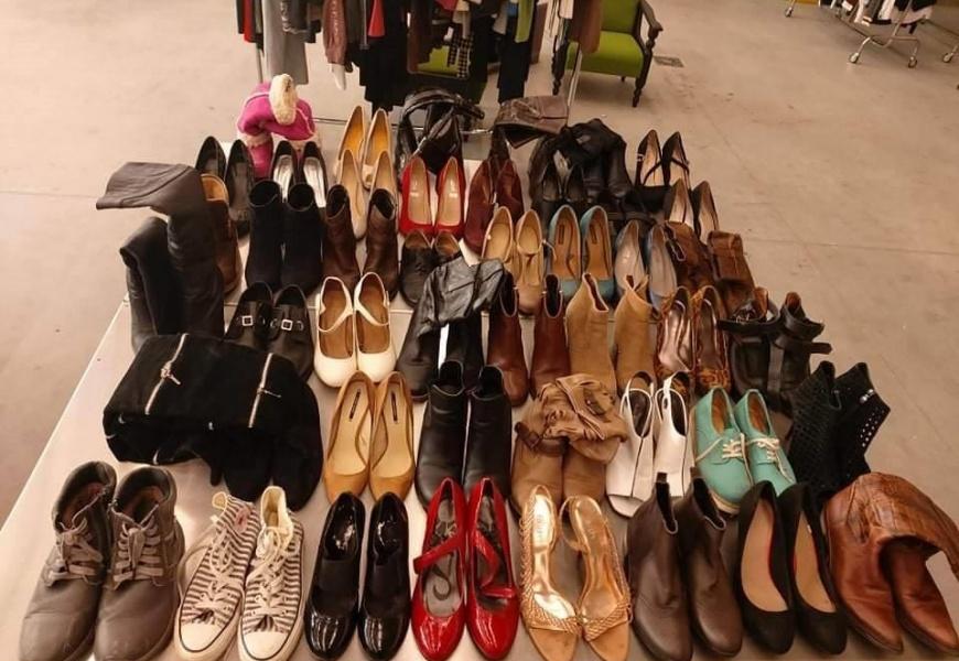 Nesinori išmesti senų batų? Išmokite juos atnaujinti!