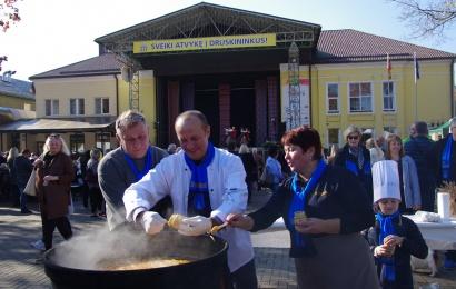 Vietos savivaldos diena Druskininkuose: pokalbių studija, mero sriuba ir koncertas
